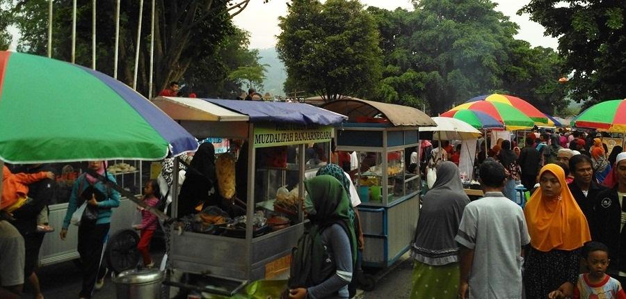 Foto: Suasana Kampung Ramadhan Kauman 1438H Banjarnegara Jam 4 sore (dokumen pribadi)